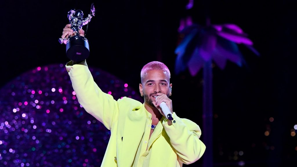Celebrities Are Wearing Neon at the VMAs Again: Nature Is Healing